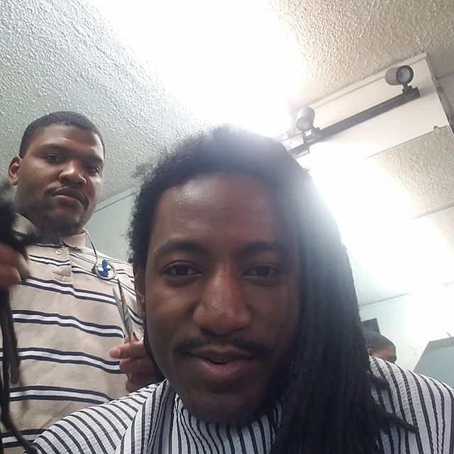 My man @2shearsandacomb getting the hair right . Dreads coming off 😐