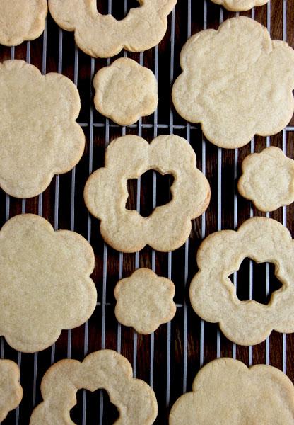 Cookies cooling.jpg