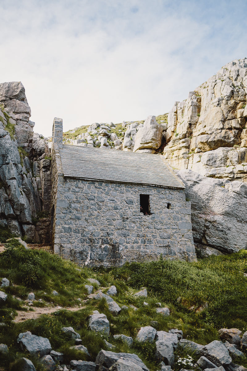 Superfex_BlogPost_Pembrokeshire_Wales_St_Govans_Head_Chapel_6.jpg