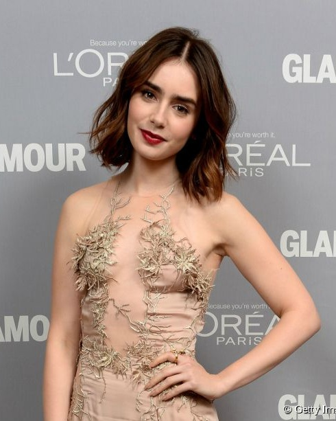 2905-lily-collins-looks-great-in-her-wavy-592x0-2.jpg