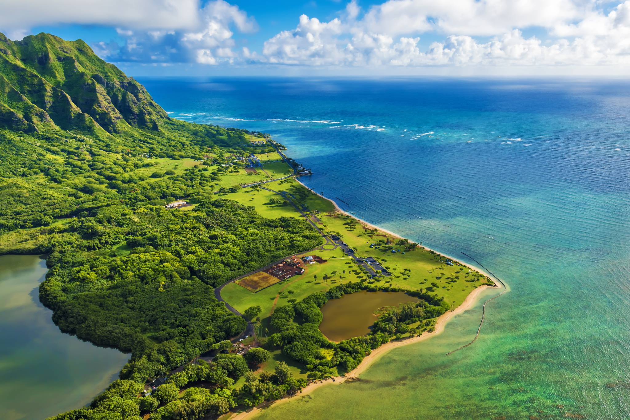 Visit Hawaii with our travel guide for iPhone, iPad & AppleWatch