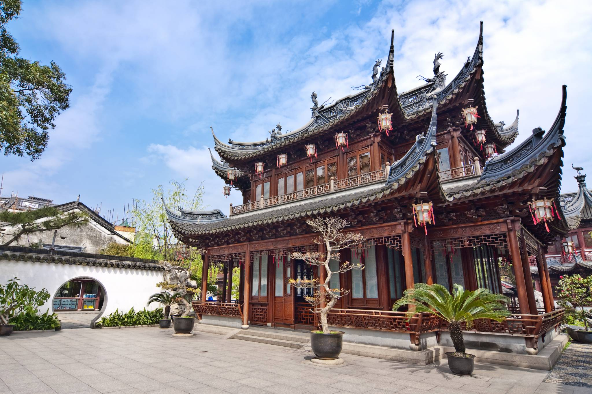 Awesome Shanghai Temples! Travel to China with eTips Guides