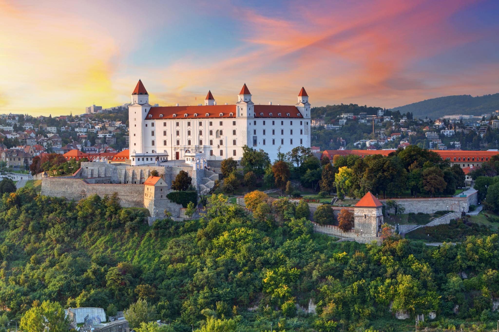 Bratislava Travel Guide for iPhone, iPad & AppleWatch