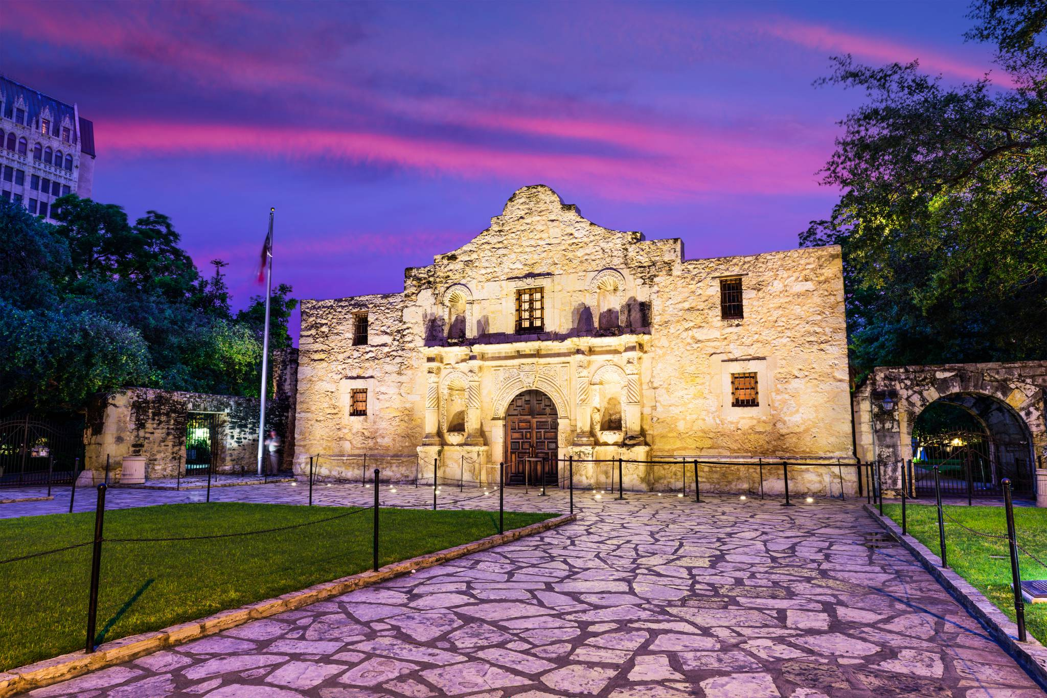 Travel to San Antonio with eTips Travel Guide