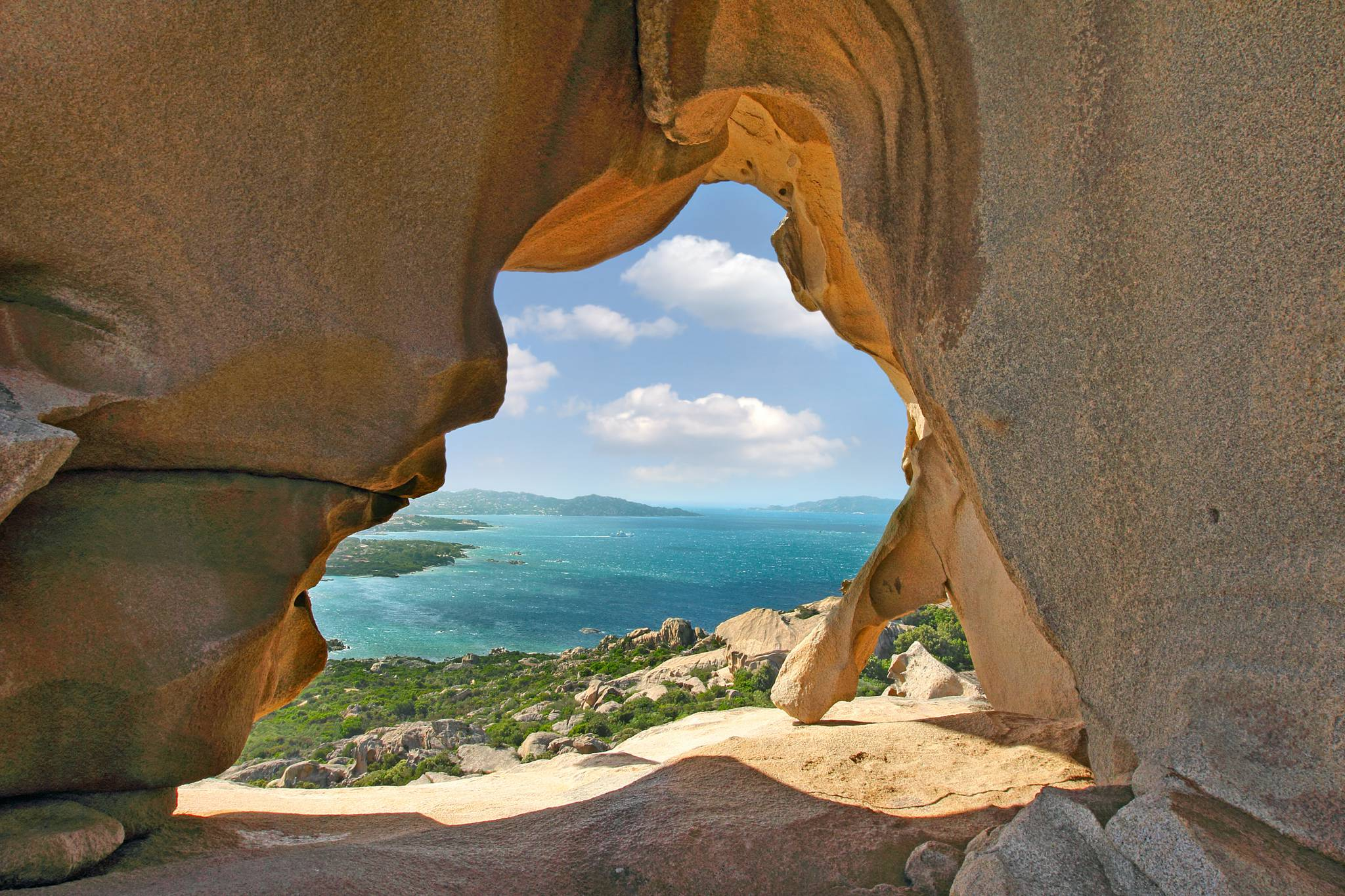 Travel to Sardinia with a guide in your pocket