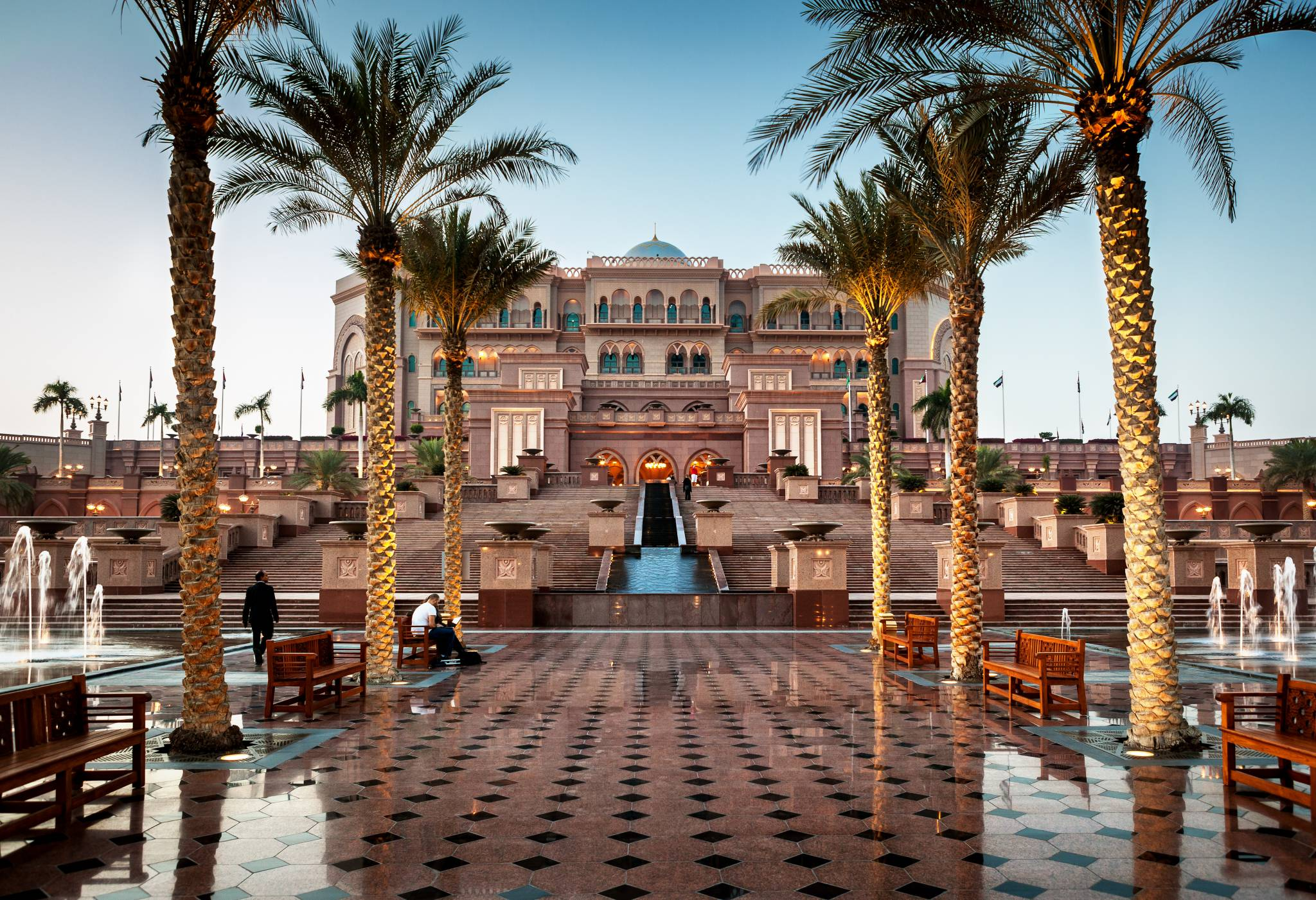 Travel to Abu Dhabi with eTips Travel Guide
