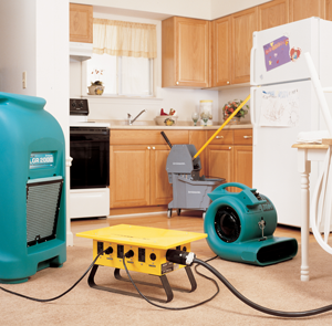 dr_water_loss_drying_equipment_in_kitchen_and_family_room.png