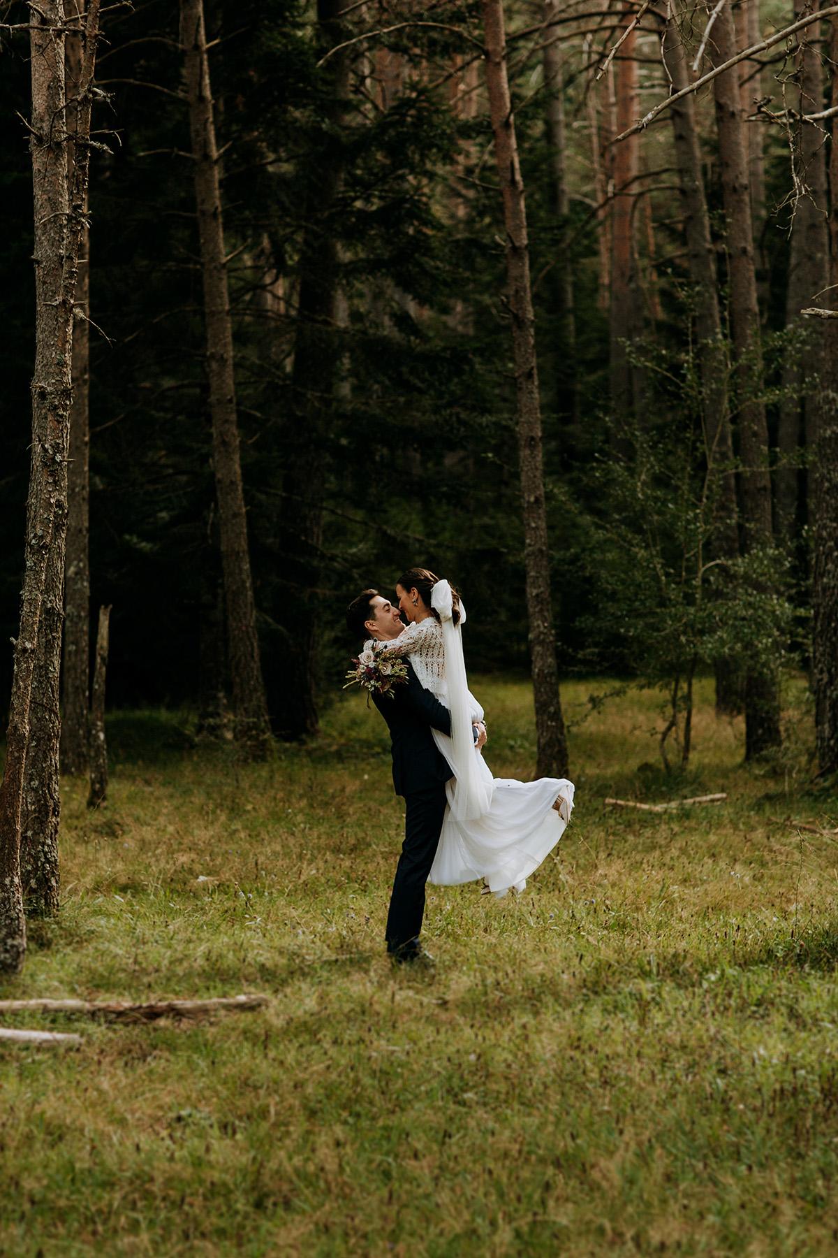 Boda-civil-zaragoza-huesca-pineta-pirineos-aragon-jose-reyes-destination-wedding_048.jpg