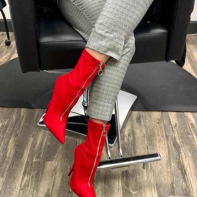 These boots were made for walking! In the salon with Mara! @wearindestin