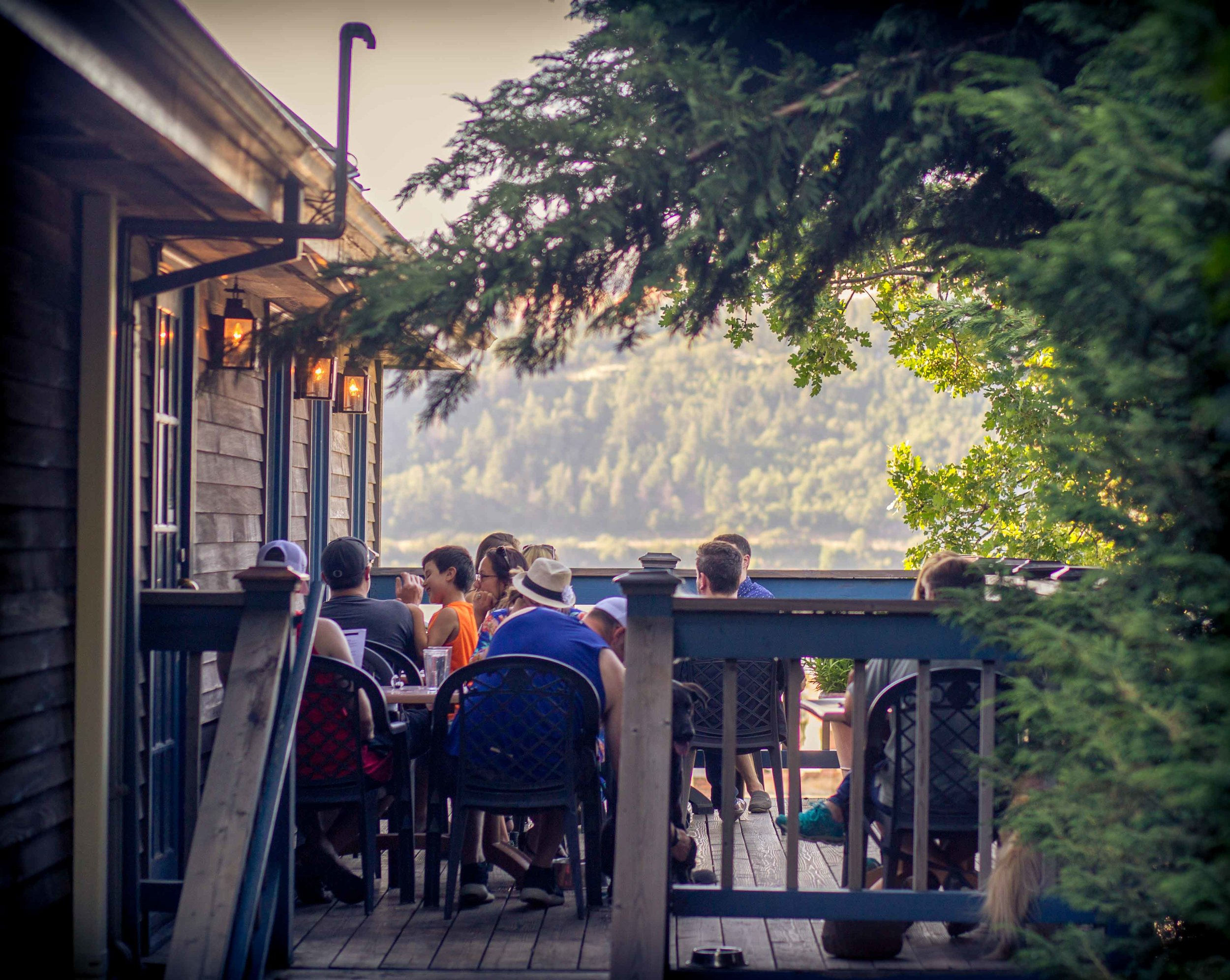 Big Horse Brew Pub Hood River Oregon Columbia Gorge Beer Food Places to Eat Wine Find Dining Scenic Downtown Horse Big Forest-8.jpg