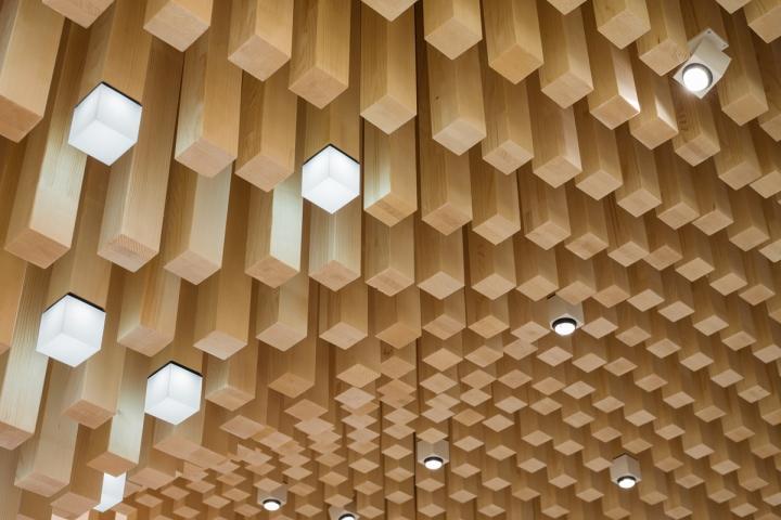 Wooden-canopy-by-Ippolito-Fleitz-Group-TitiseeNeustadt-Germany04.jpg