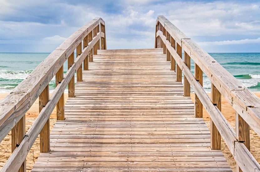 CoastalResortCommunities_steps-to-beach.jpg