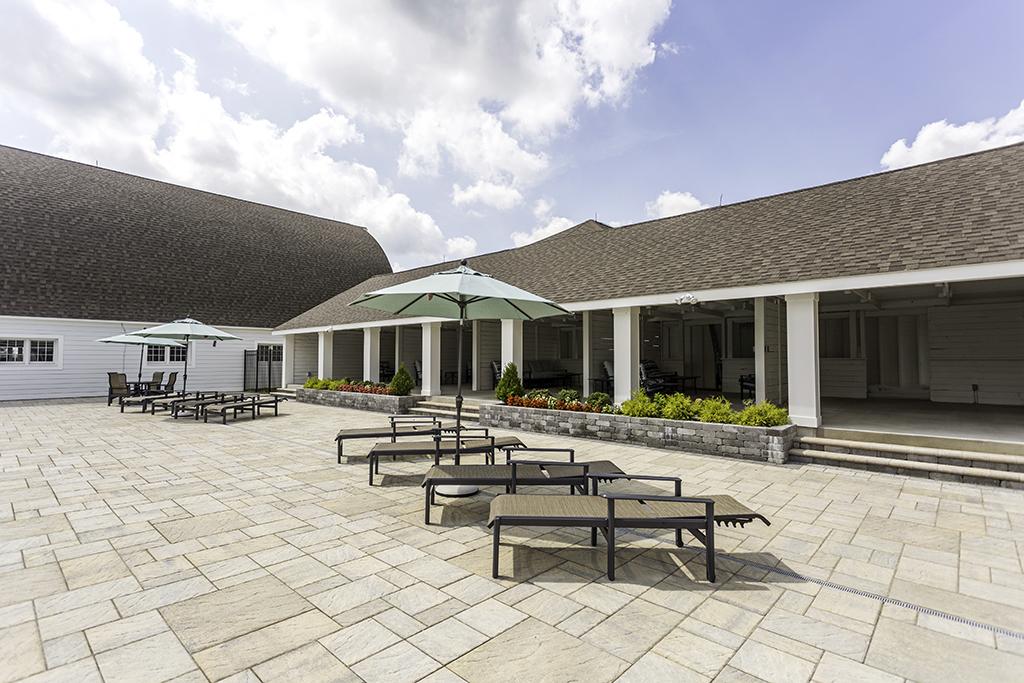 Showfield_poolside-cabana-angle.jpg