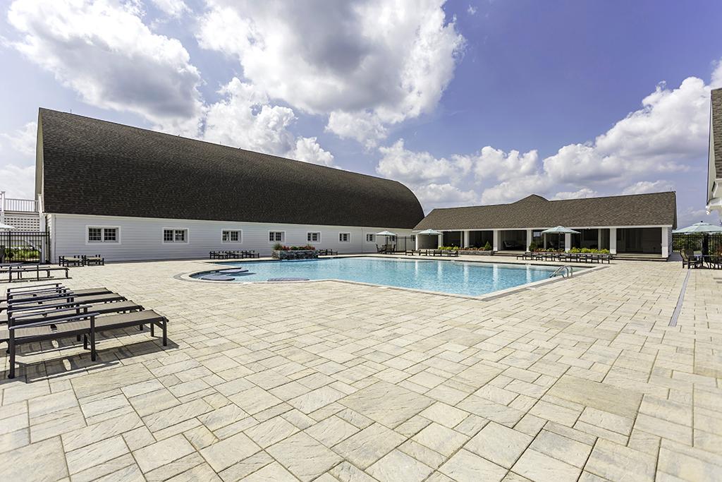 Showfield_barn-with-pool.jpg