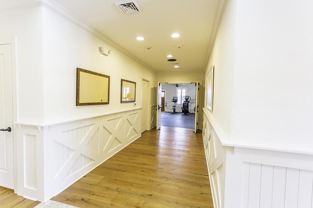 CanalfrontBuilders_wainscoting-hallway-3.jpg