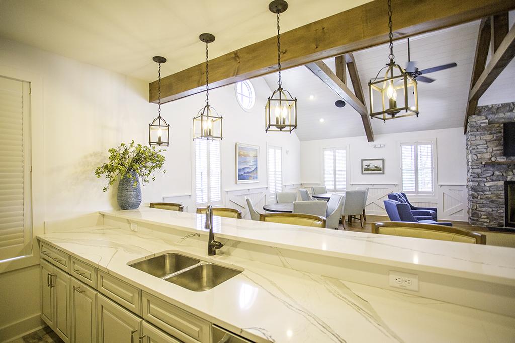CanalfrontBuilders_Showfield_bar-kitchen.jpg