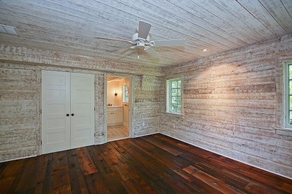 Shingle Style Bedroom 4