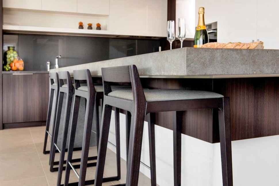 wrong-size-bar-stool