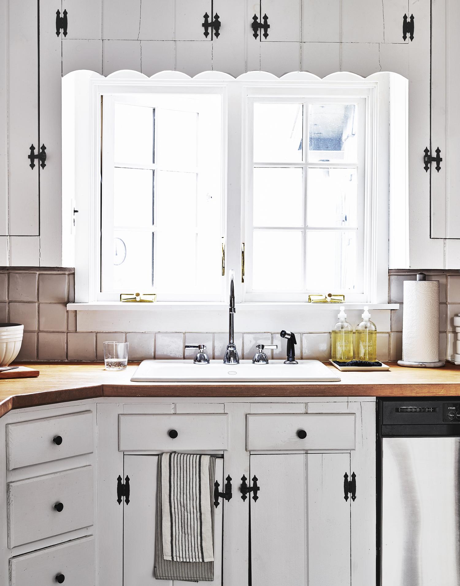 re_kitchen_1630715_72.jpg