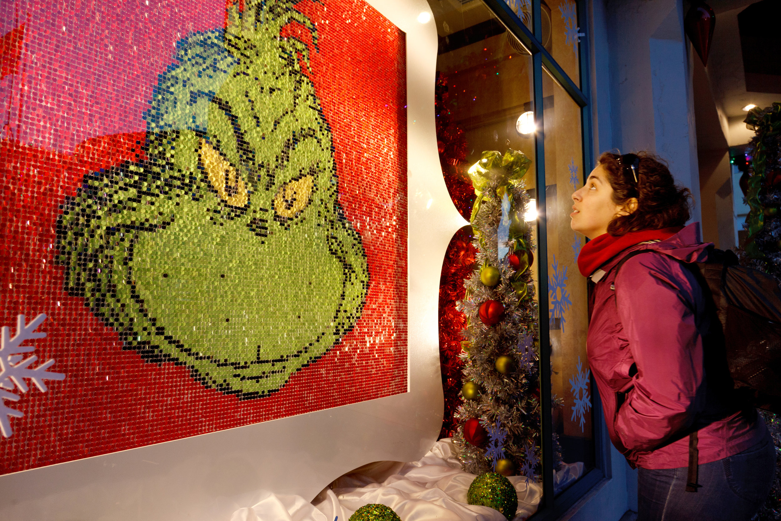 "UNIVERSAL STUDIOS HOLLYWOOD  ""Grinchmas"" holiday window display"