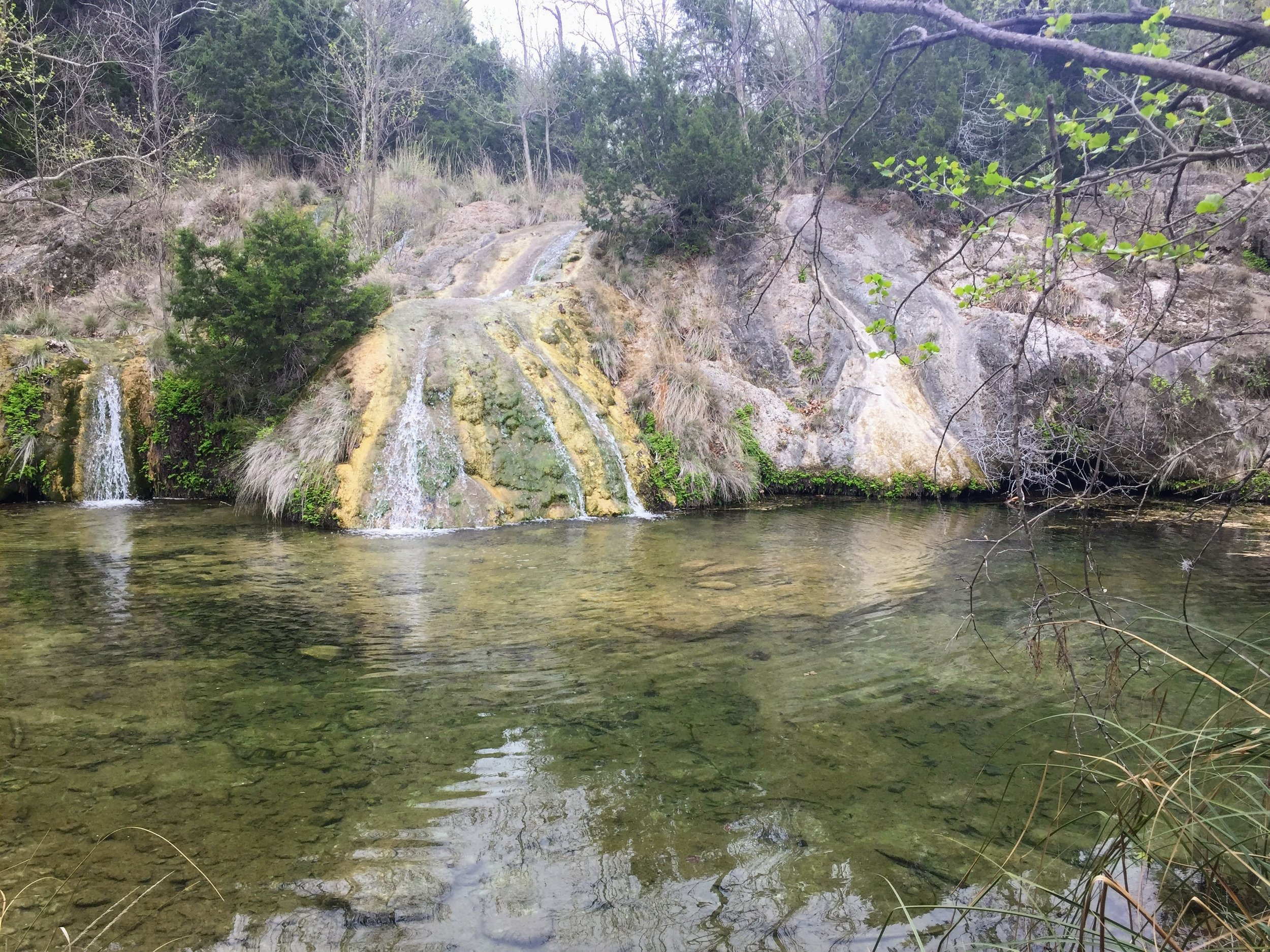 Some small waterfalls on the Spicewood Springs trail