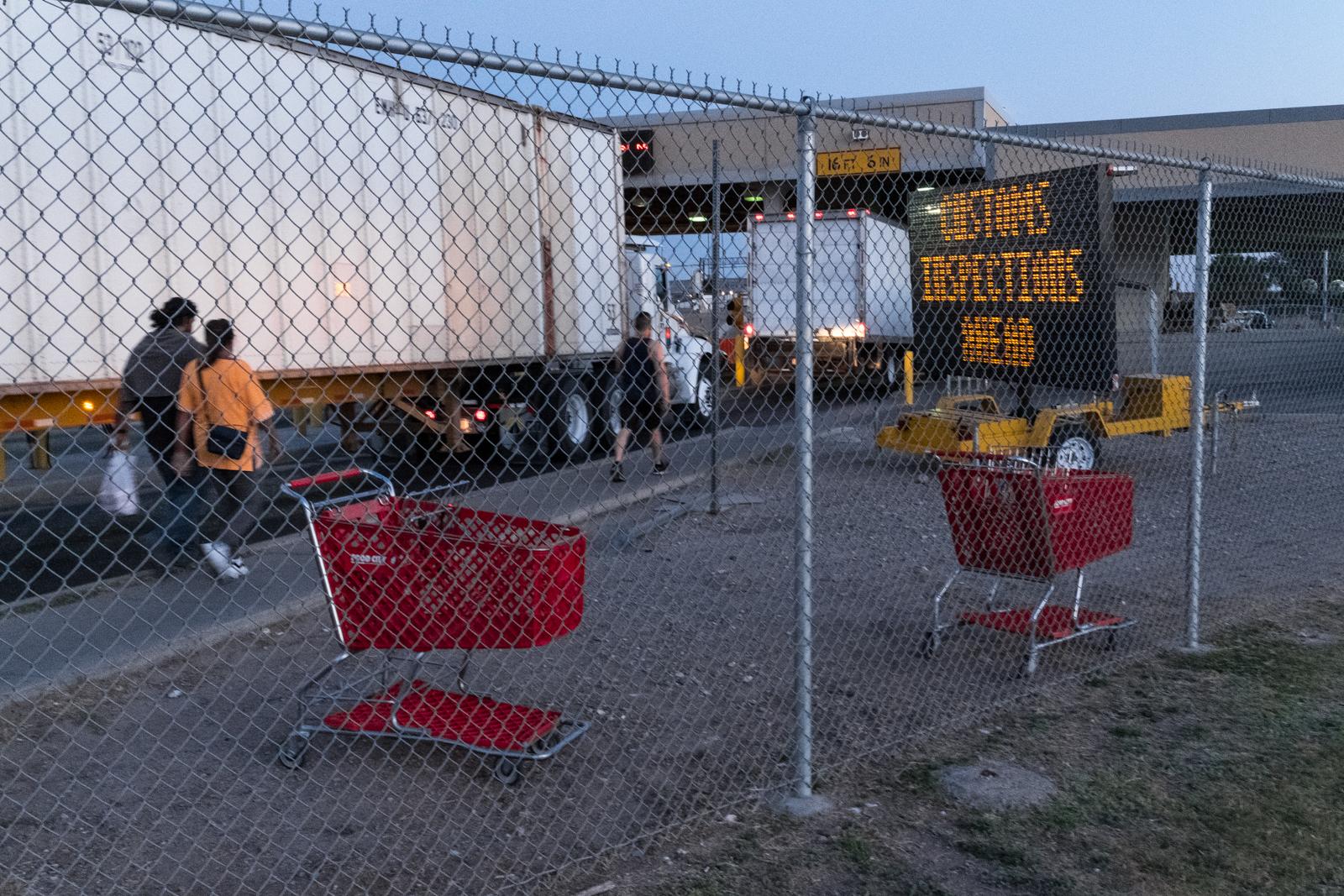18. Hinterland - Border crossing in El Paso, TX.jpg