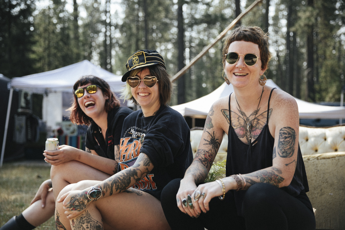 women-motorcyle-dirtbike-camp-female-badass-tattoos-motorbike-racing-california-oregon-beer-03