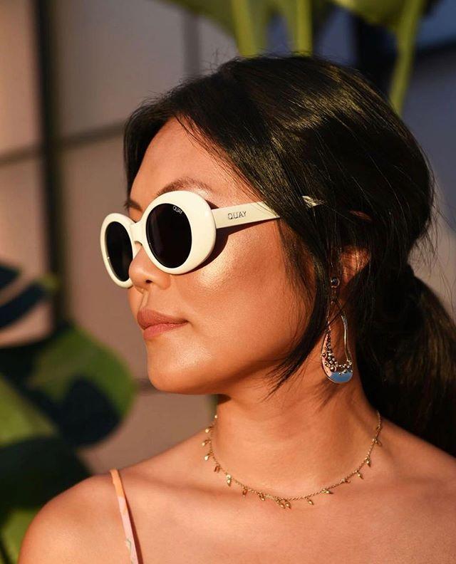 Golden hour 💫 📸: @shotbysaira . . . . #quayaustralia #quaysunglasses #moltenstore #missomalondon #ootd #fashion #fashioblog #streetstyle