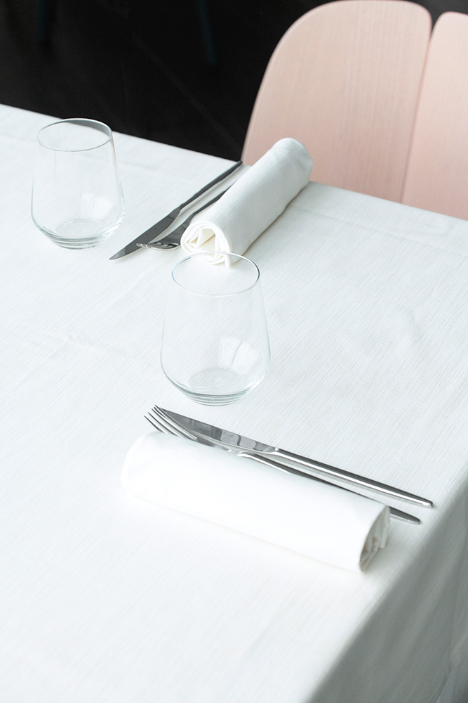 Momi Restaurant. Sedie  Osso  by Ronan & Erwan Bouroullec,  Mattiazzi