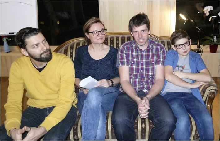 Storytelling-Experte Flo Oberforcher, Projektleiterin Isabella Natter-Spets und die Erzähler Frank Timmers (Adlerwirt) und Niko Humpeler.