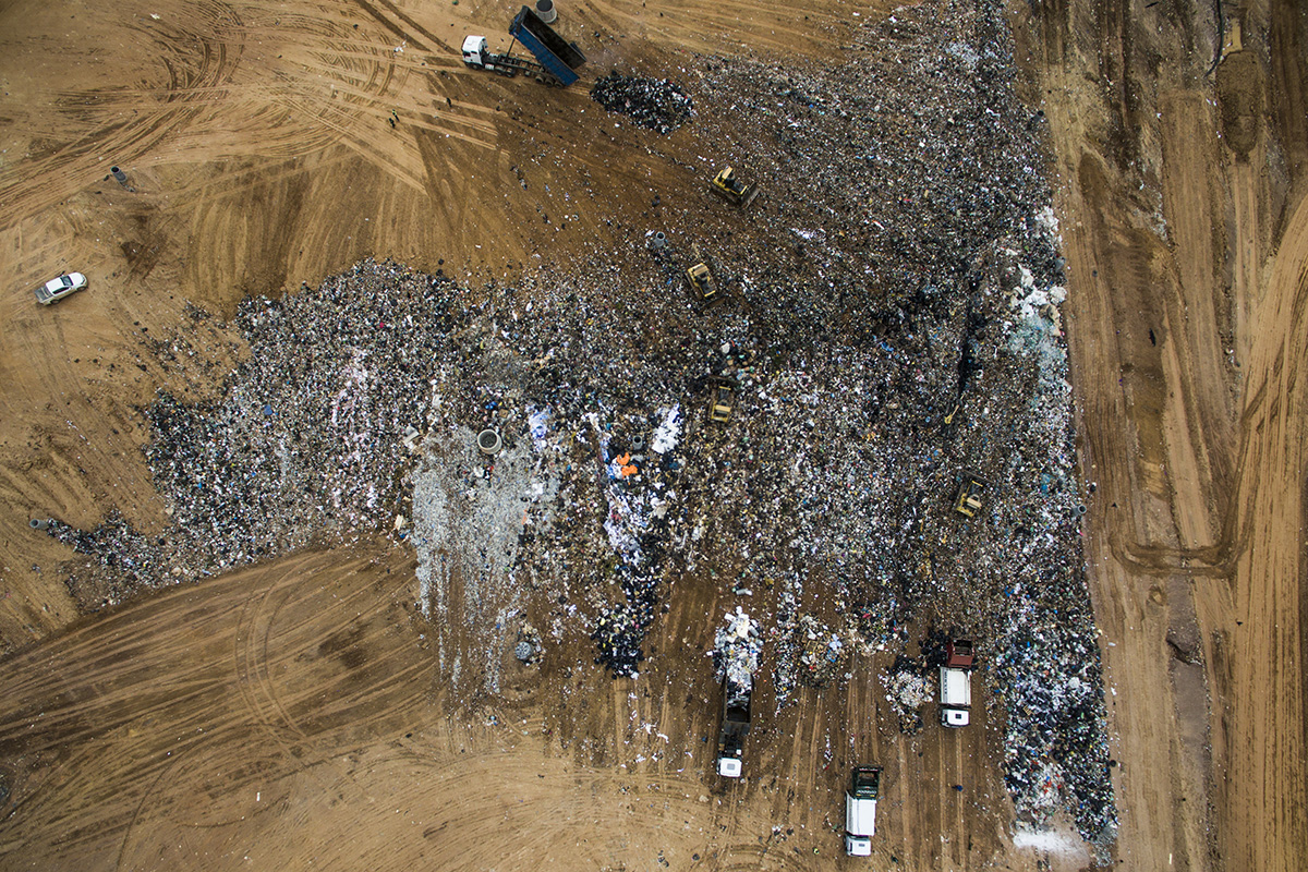 Brazil, São Paulo, 30 November 2016Essencis Soluções Ambientais is one of the landfills around Sao Paulo and with a size of 350 hectares the biggest one in Latin America. Everyday 8000 tons of waste, 60% from Sao Paulo, is delivered here.Kadir van Lohuizen / NOOR