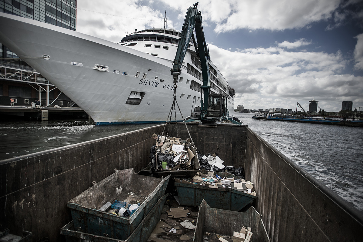 Netherlands, Amsterdam, 11 July 2017A cruise ship discharged its waste at the passengers terminal in Amsterdam.Kadir van Lohuizen / NOOR