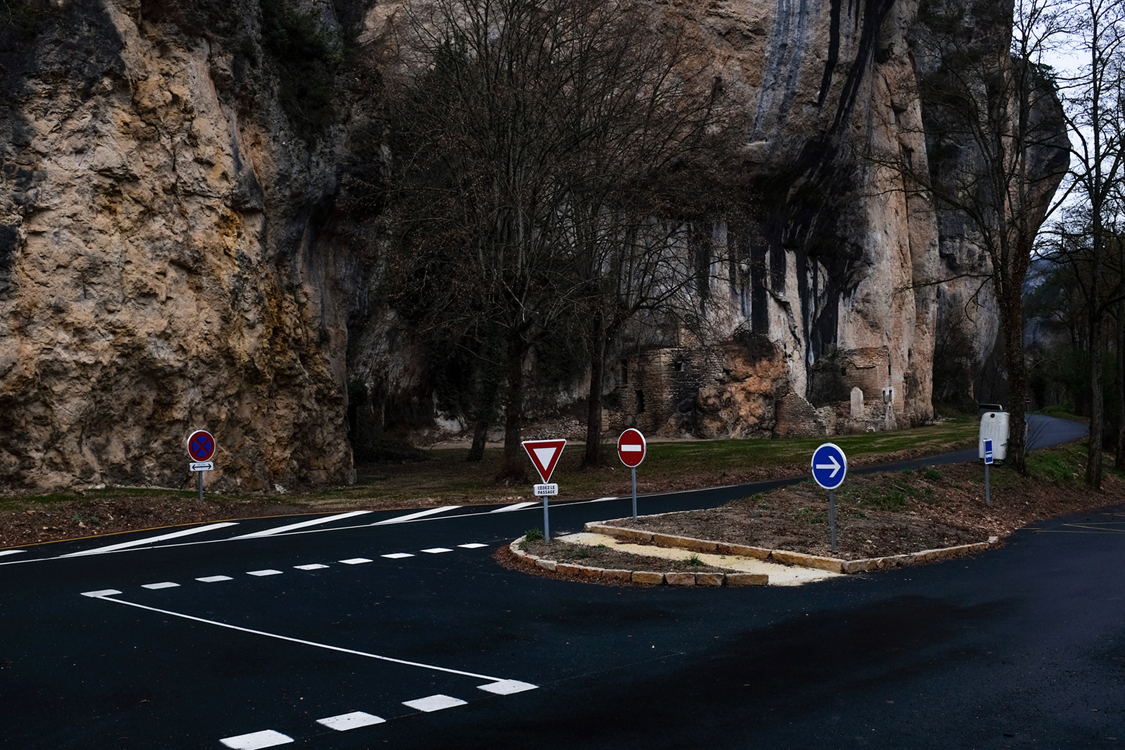 A parking lot set up for the influx of tourists in the summer season, in the Gorges du Tarn. Saint-Georges de Lévéjac, January 11, 2017.