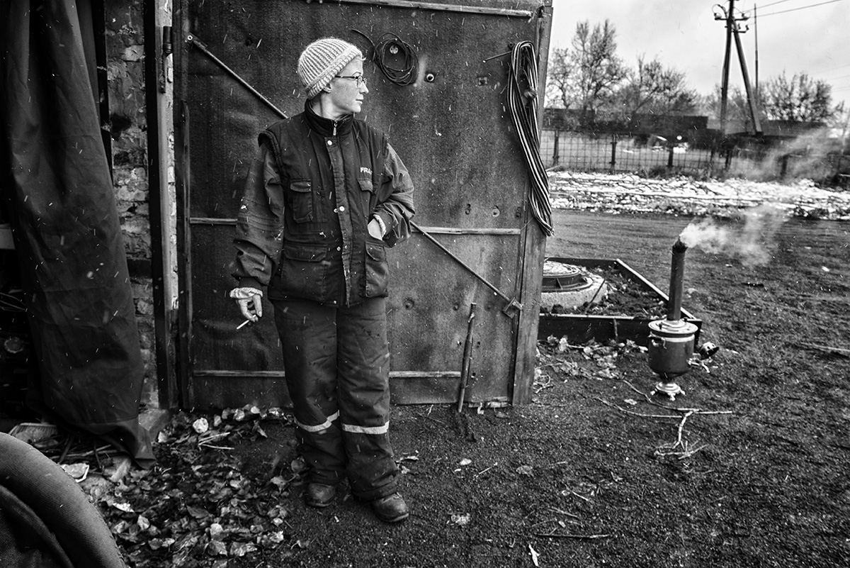 """photo from the project """"Lullabies for Alyona"""" Karaganda 2017 Svetlana in the yard around the house"""