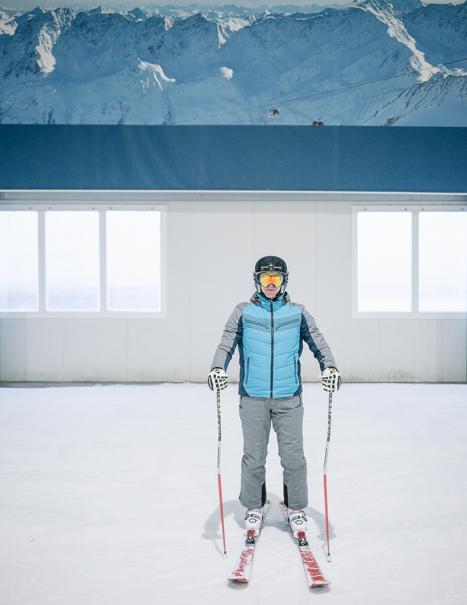 Skier at the indoor ski slope. Bispingen, Germany. 12/2017.© Elias Holzknecht