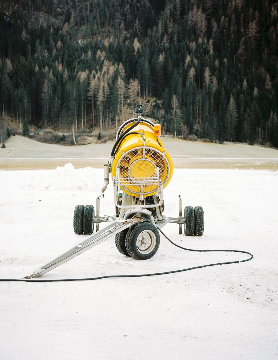 Snow gun. Laengenfeld, Austria. 12/2016.© Elias Holzknecht