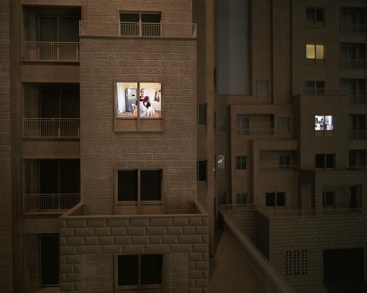 23. Januar 2014. Rawabi, zwischen Ramallah und Nablus, Westjordanland. Im Showroom des riesigen Bauprojekts Rawabi steht ein dreidimensionales Modell der fertigen Wohnungen. Es handelt sich nicht um eine geplante juedische Siedlung, sondern um ein auf dem Reissbrett entworfenes Bauprojekt fuer das wohlhabende palaestinensische Buergertum.Engl.: January 23, 2014. Rawabi, between Ramallah and Nablus, West Bank. A three-dimensional model of the finished homes at the showroom for the major Rawabi building project. This is not a planned Jewish settlement, but rather, a planned community designed for the wealthy Palestinian middle class.