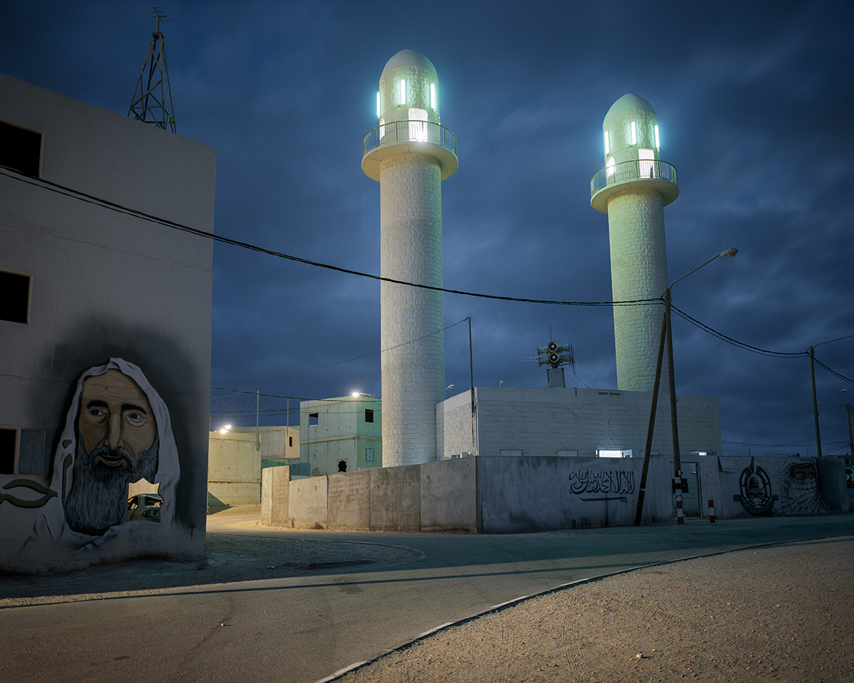 12. Juni 2017. Armeebasis Tze'elim, beim Kibbuz Tze'elim, Israel. Die Arafat-Moschee in der palaestinensischen Modellstadt Lashabiya. Sie gehoert zum Haeuserkampf-Trainingszentrum der Israelischen Verteidigungsstreitkraefte und besteht aus rund 600 Bauwerken. Nach der Zweiten Intifada und dem Zweiten Libanonkrieg forderte die Armeefuehrung eine bessere Ausbildung fuer den Kampf in klar umgrenzten urbanen Zentren. Im Golan wurde 2017 der Grundstein fuer ein weiteres Zentrum gelegt, das ein libanesisches Dorf simulieren und auch fuer das Training mit Panzern geeignet sein soll.Engl.: June 12, 2017. Tze'elim Army Base, near Kibbutz Tze'elim, Israel. The Arafat Mosque in the model Palestinian city Lashabiya. It is part of the Israel Defense Forces' urban warfare training center and is made up of roughly 600 buildings. After the Second Intifada and the Second Lebanon War, the army leadership demanded better training for fighting in clearly defined urban centers. In 2017, the cornerstone was laid for a further center in the Golan, which should simulate a Lebanese village and also be suitable for training with tanks.