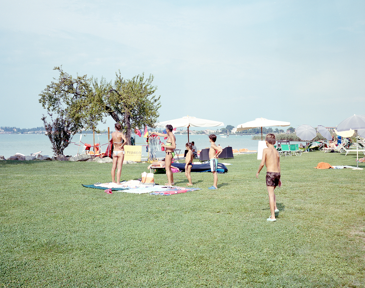 Colombare, 2017, ItalyFamilies during the last days of summer holidays on the shores of the lake in Colombare