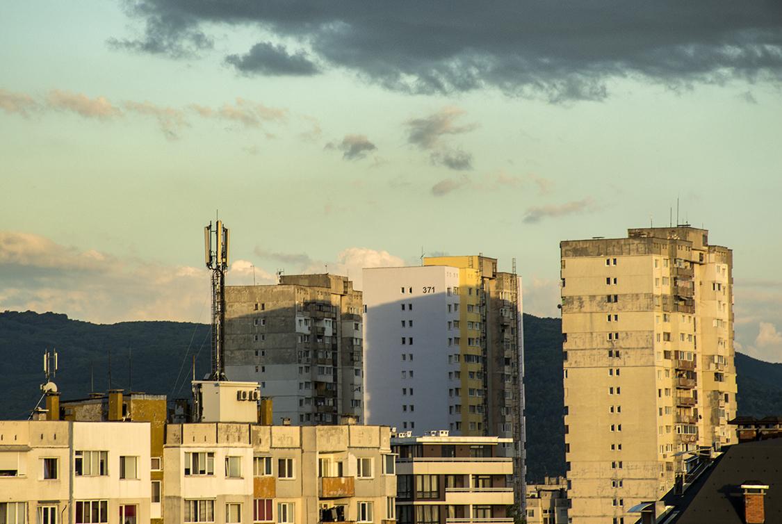 02_Spasiyana Sergieva_The buildings light up.jpg
