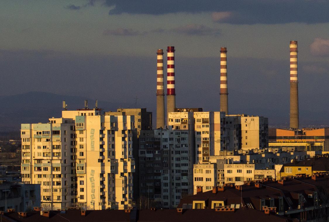 01_Spasiyana Sergieva_The buildings light up.jpg