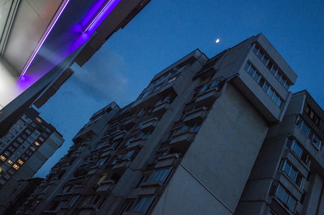 04_Spasiyana Sergieva_The buildings light up.jpg
