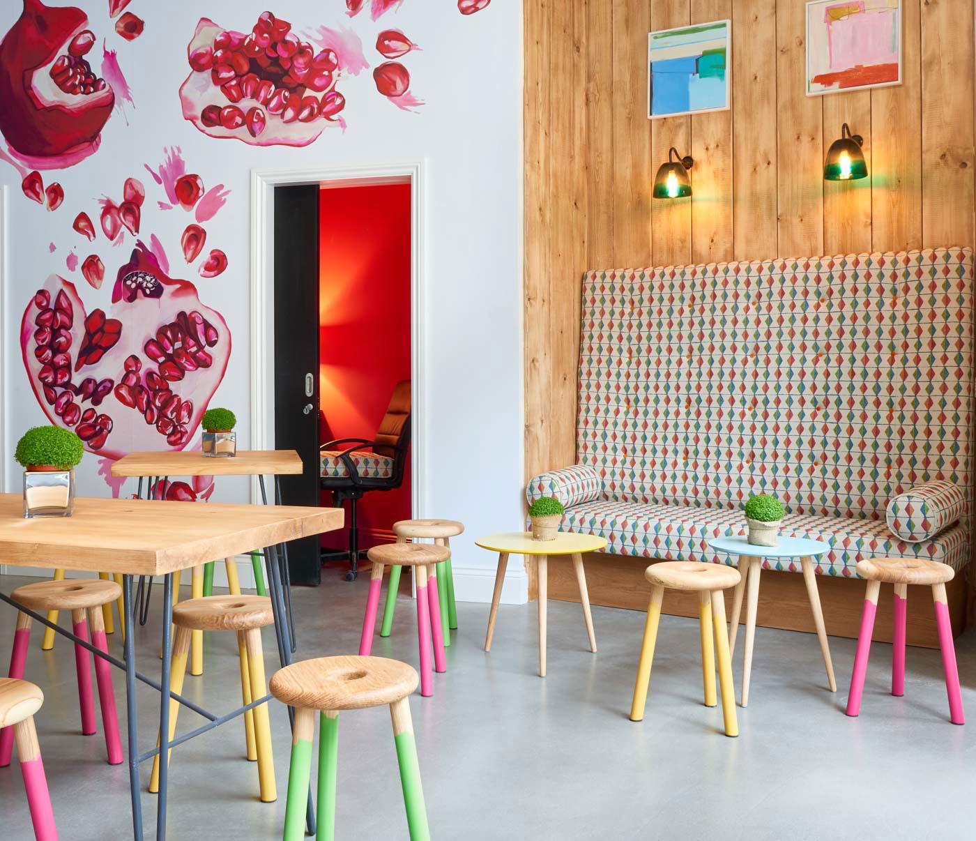 kaboola-kitchen-colourful-sofa-sarah-fortescue-design.jpg