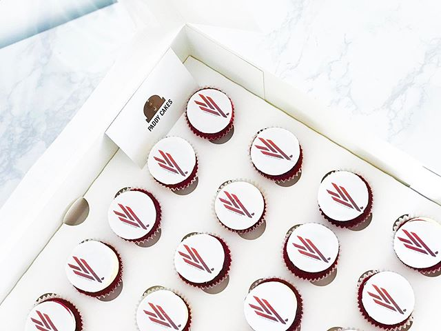 Branded cupcakes for @visolavalourvisuals  @visola_valour  Be sure to check out her amazing page this business has allowed us to meet Great people within the events industry visola is one of them and she has been part of this paddy cakes story for nearly 2 years was a pleaser making these for her business launch 🚀 which was amazing 👏🏾 . . . . #buttercreamcakes #cakedesigner #cake #cakes #londonluxury #luxury #delicious #watercolour #art #foodart #bohowedding #moderncake #modern #architecture #fineart #ukvendor #ukartist #cheesecake #desserttable #ganche #cakeartist #rusticweddingdecor #rustic #bohowedding #bride #wedding