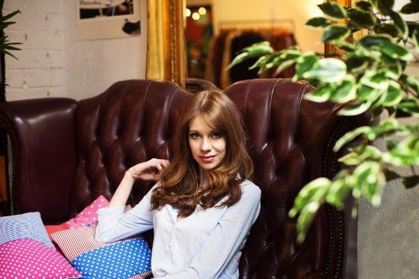 Laura Yates2.jpg