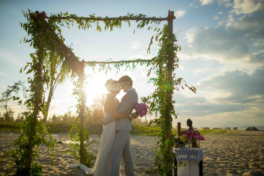 Get married during magic hour, right after 3 p.m. when the sun isn't too harsh. Photo by Justin Mott