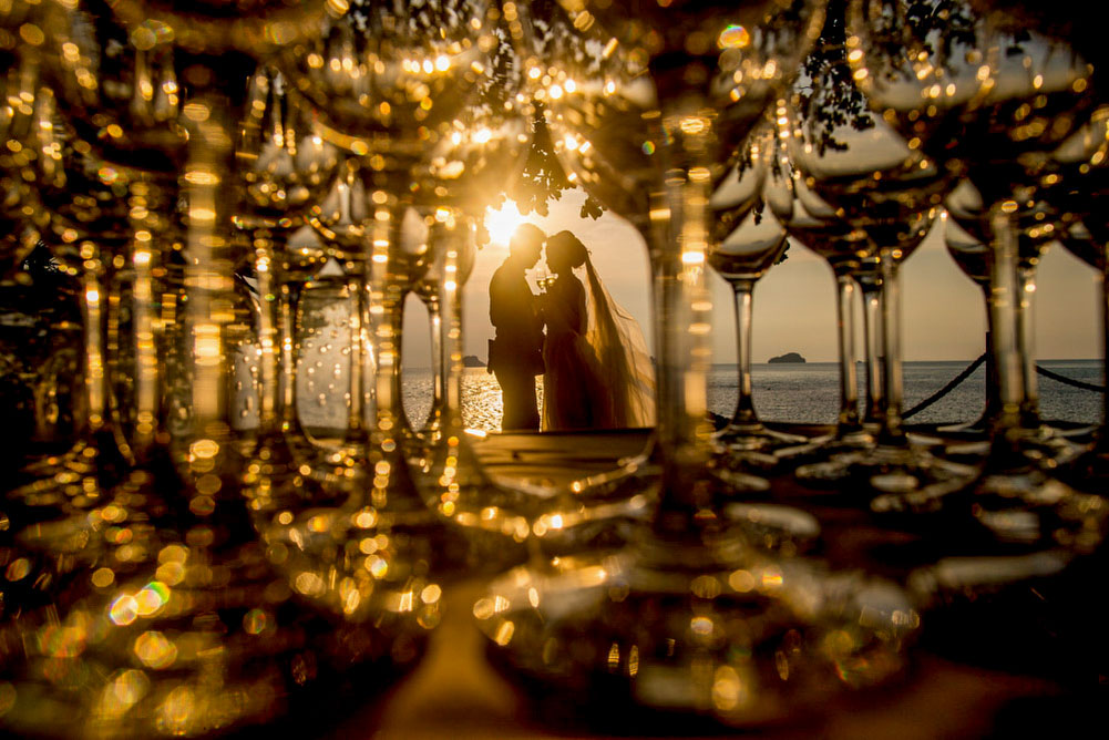 wedding-couple-champagne-samui-conrad-1.jpg