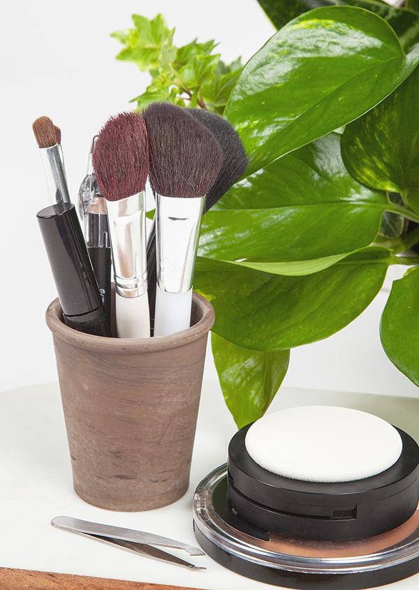 Organize-Makeup.jpg