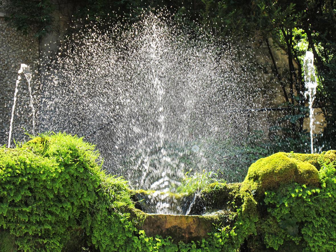 Tivoli fountain 1b.jpg