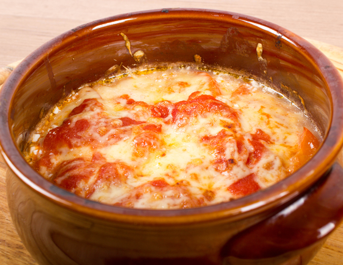 Bougiourdi (melted cheese feta, pepper and tomato)